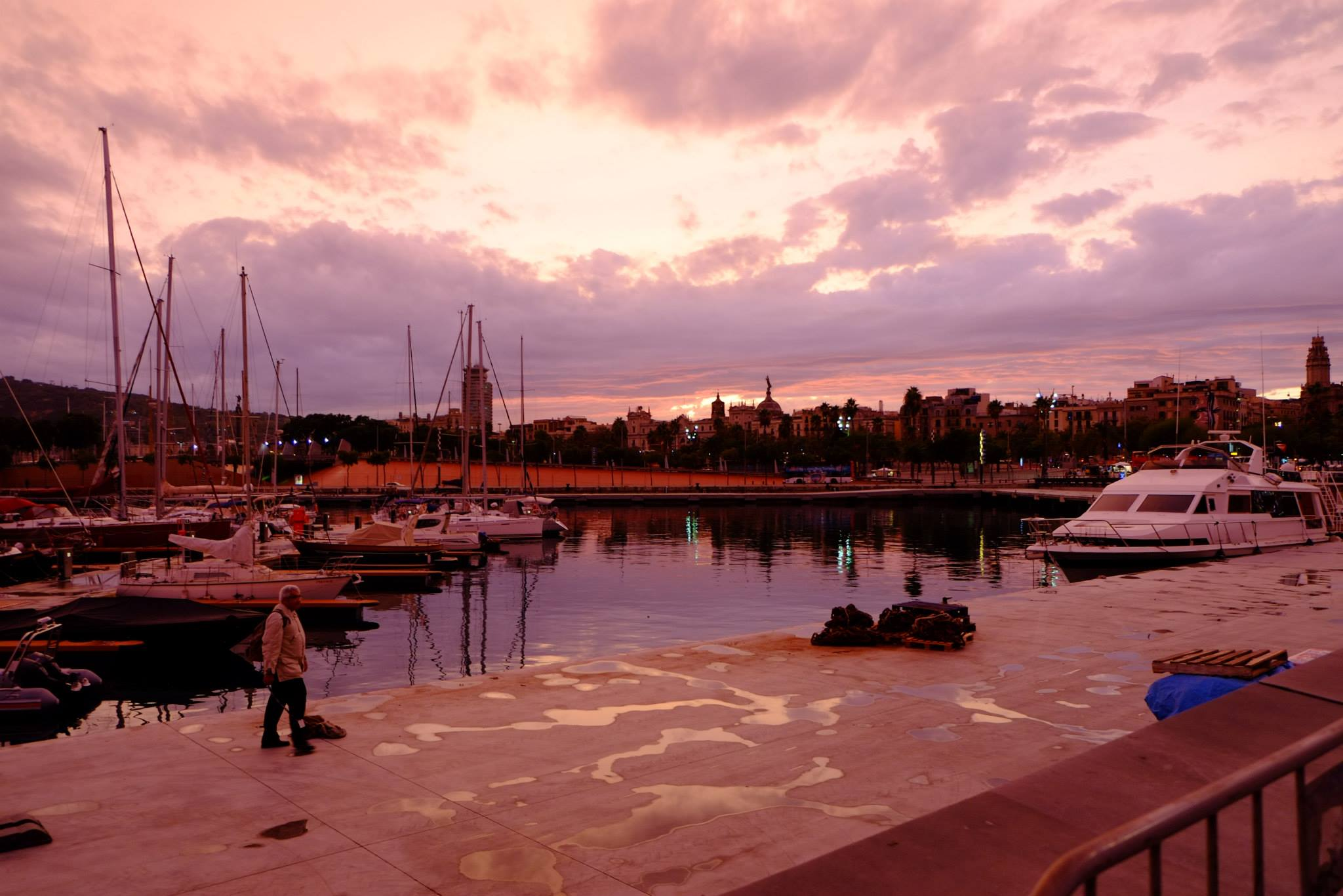 CAPAStudyAbroad_Barcelona_Summer2017_Port 2.jpg